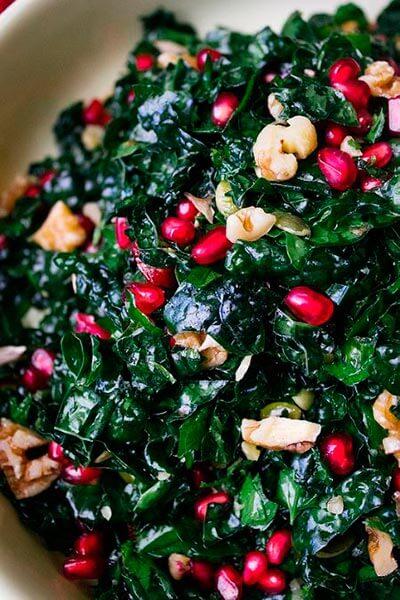 ensalada-de-kale-con-nueces-frutos