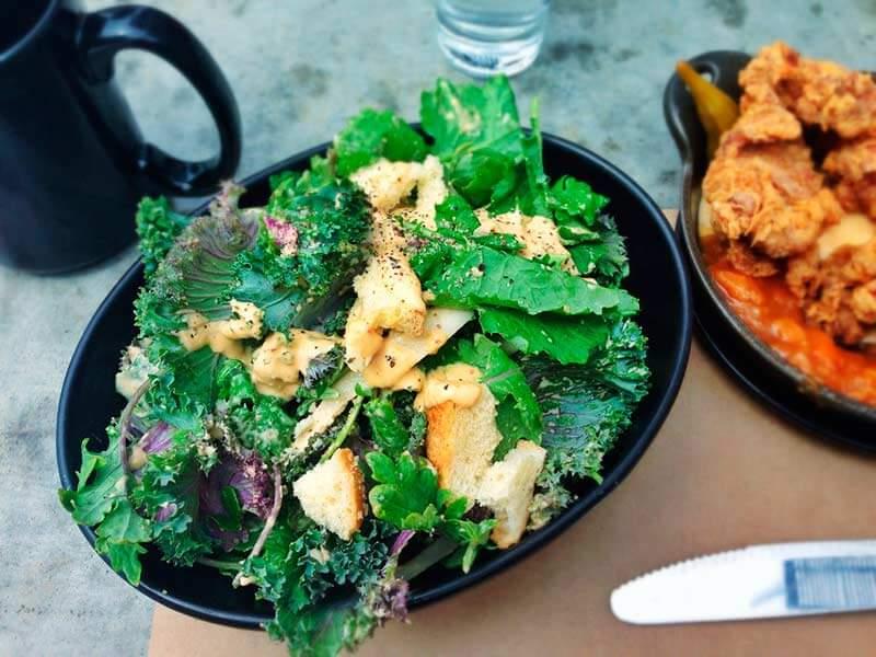 ensalada-de-kale-con-pollo
