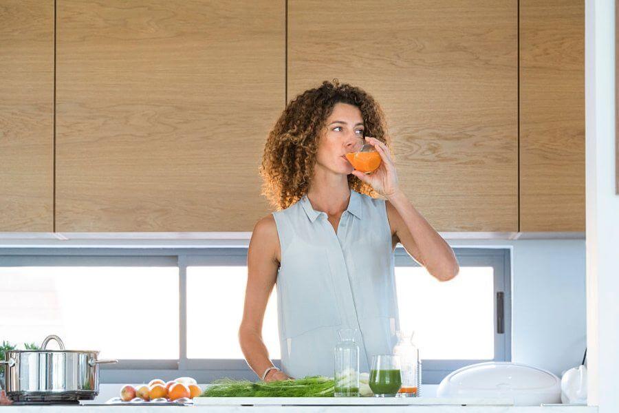 cómo hacer un zumo de zanahorias y espinacas